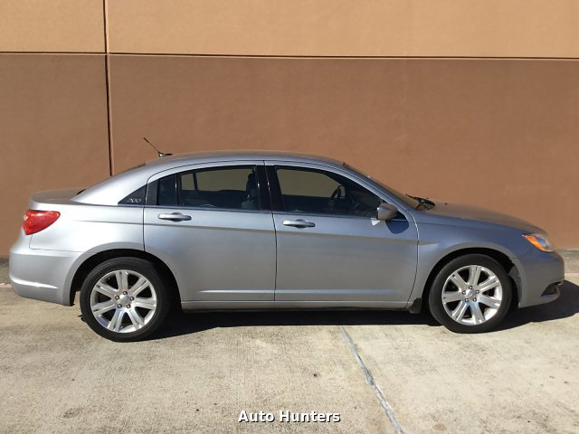 2013 Chrysler 200 Touring 6-Speed Automatic